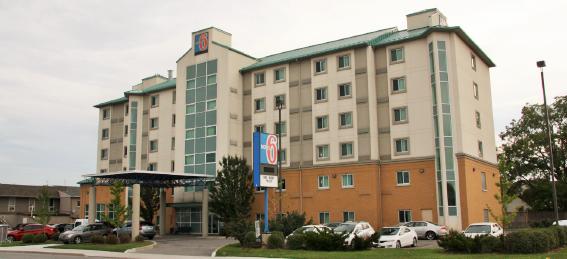Niagara Falls hotel for sale